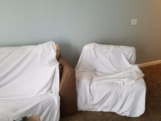 Shores Of Panama Resort: Had To Cover Furniture With Sheets To Sit. Cleaned  Our