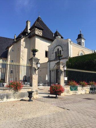 Les vins du ch teau de pizay photo de chateau de pizay saint jean d 39 ar - Restaurant chateau de pizay ...