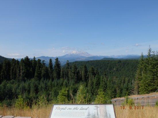 Amboy, WA: Mount St. Helens aus der Ferne