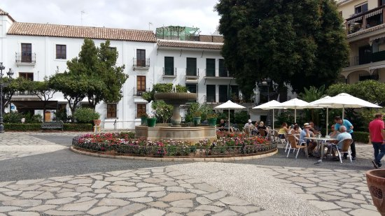 Plaza de las Flores de Estepona: 20170923_124157_large.jpg