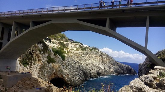 Gagliano del Capo, Włochy: Il Ponte Ciolo