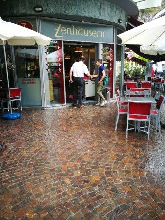 Restaurant et boulangerie Zenhausern: Entrée