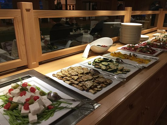 Hotel Monika: Vorspeisenbüffet