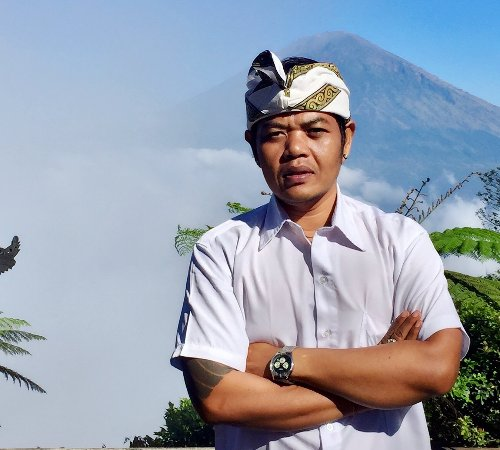 Singaraja, Indonesia: my name is Ketut Sutastra im is owner of Bali Uncovered transport and tour agency