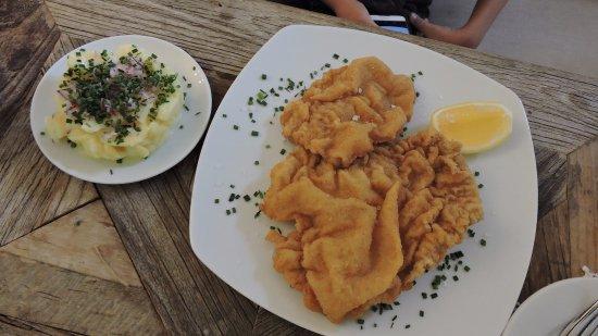 Kittsee, Austria: Wiener schnitzel vom Milchkalb