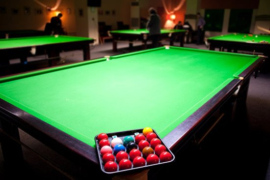 Cwmbran, UK: Redz Snooker Club