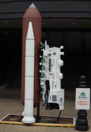 Pullman Square : Space Shutttle statue