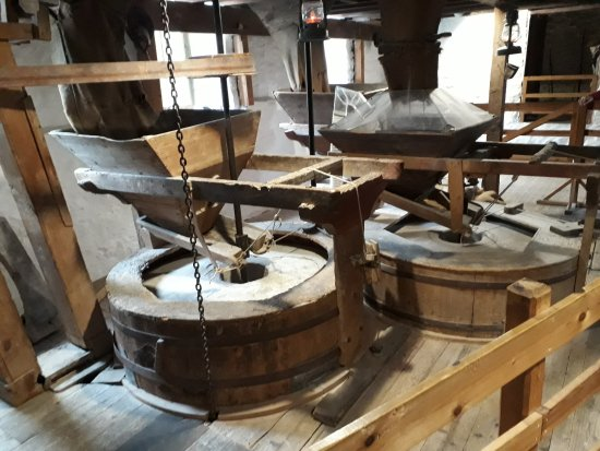 New Abbey, UK: Milling wheels