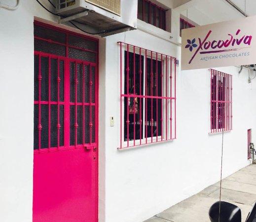 Xocodiva : facade of the chocolate production kitchen