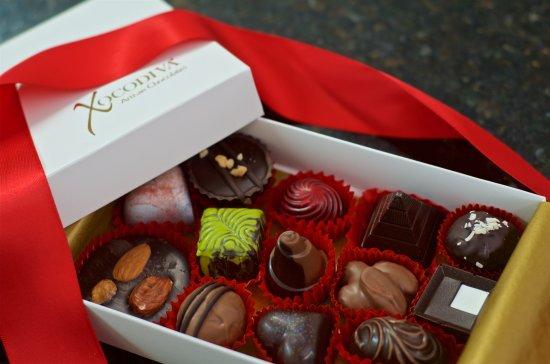 Xocodiva : elegant box of artisan chocolates handmade in vallarta.  decadent. divine. simply sublime.
