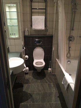 Sutton Scotney, UK: Bathroom