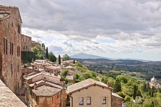 Montepulciano, Italy: Another view from the city hall tower.