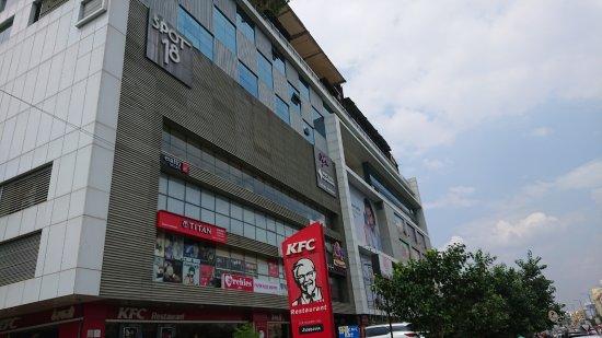 Spot 18 Mall