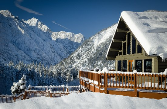 Mountain Home Lodge: Cascades at MHL in Winter