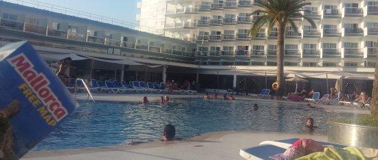 Hotel interesante en la zona de marcha de Magaluf