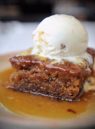 Woodbridge, UK: Nanny Joy's Sticky Toffee Pudding - a film favourite!