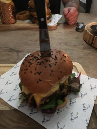 Buxted, UK: Nice cheese burger