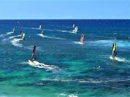 Ho'okipa Beach Park: WORLD CLASS WINDSURFING