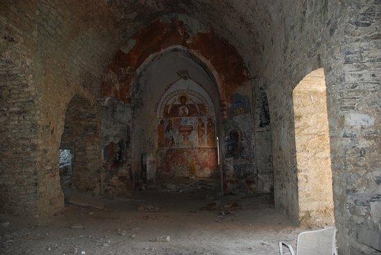 Fiscal, Spain: Reste des peintures de l'église