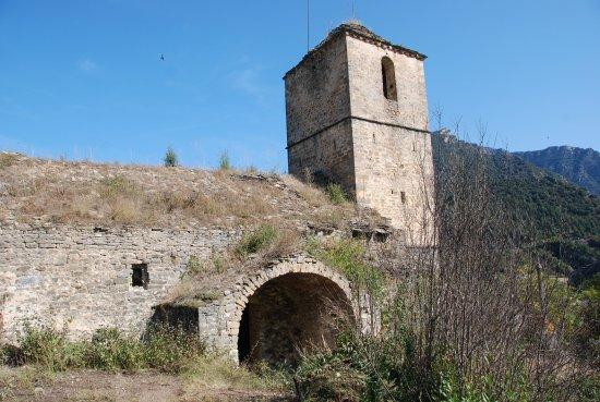 Fiscal, Spain: L'église du Village