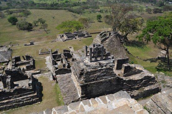 Ocosingo, México: ...gradini e gradini e si possono ammirare le antiche rovine...