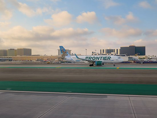 ua5512 row 2 d view out window starboard side of plane lax rh tripadvisor co za