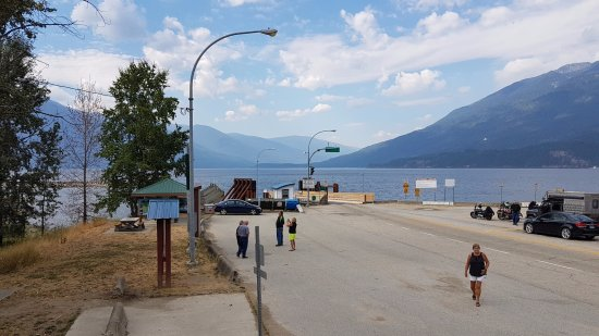 Balfour, Kanada: Kootenay Lake Ferry dock