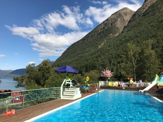 Kinsarvik, Norway: A nice view from the park, fjords and pools...