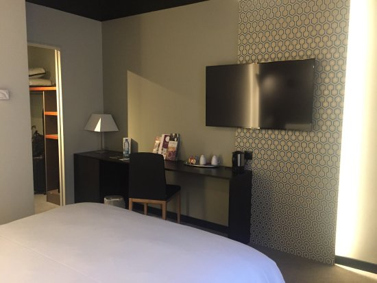 chambre 109 r nov e photo de h tel mercure arras centre gare arras tripadvisor. Black Bedroom Furniture Sets. Home Design Ideas
