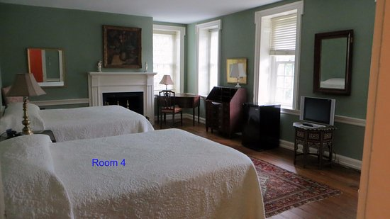 Berwyn, PA: Room 4, where we stayed, very nice