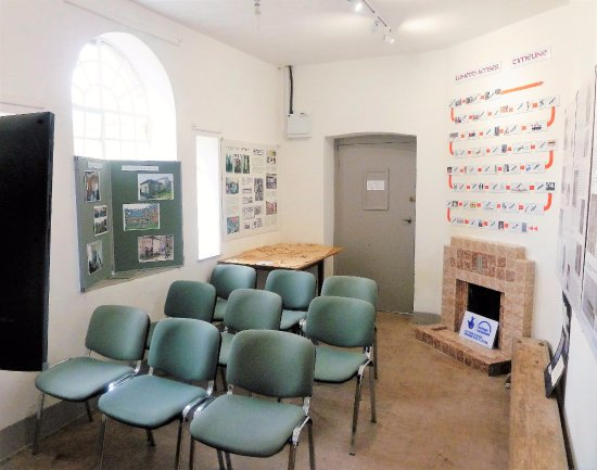 Llanfyllin, UK: Film viewing room in the History Centre
