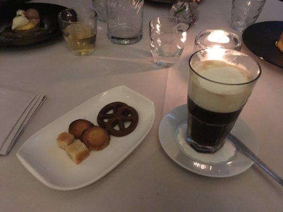 Vier Seizoenen: Irisch Coffee met friandises
