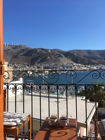 Pothia, Grèce : Small balcony but beautiful views