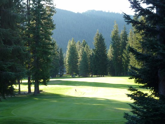Kahler Glen Golf & Ski Resort: Early morning on the golf course