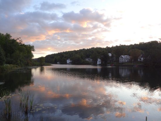 Brookfield, VT: Sunset Lake Floating Bridge
