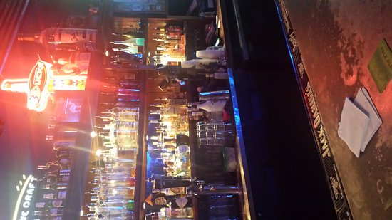 Back Alley Bar & Grill: 20170918_010856_large.jpg