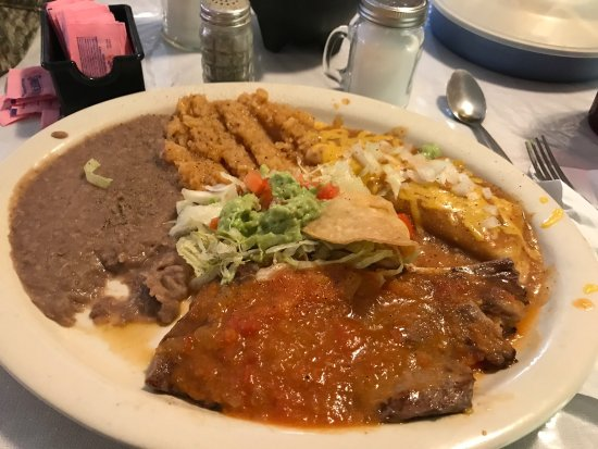Hondo, TX: Steak ranchero & enchilada.  Chicken fried steak is really good!👍