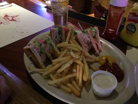 Laytonville, CA: Club sandwich with $3 added fries