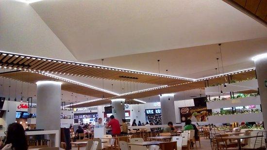 Centro Comercial Torre Manacar