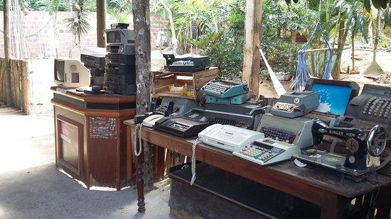 Simoes Filho, BA: antiguidades do restaurnate