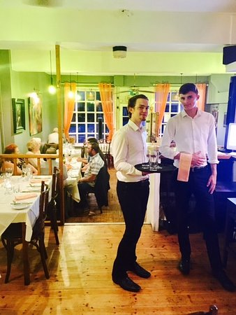 Odiham, UK: Bar Staff