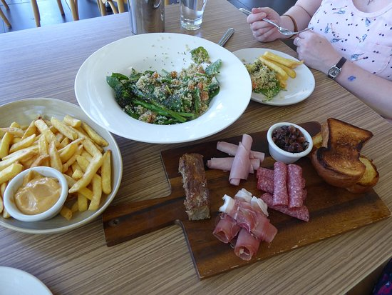 Mosman, Australia: Lunch from The View Restaurant