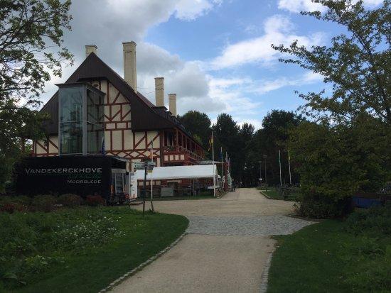 Zonnebeke, Bélgica: MMP17