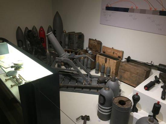 Zonnebeke, Bélgica: More ordnance