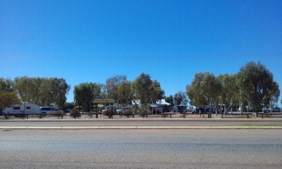 Mount Magnet, Úc: View from the roadside.
