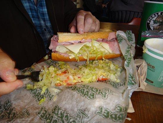 Beograd, MT: Extra large sub sandwiches