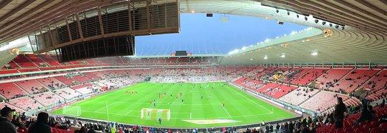 Сандерленд, UK: Sunderland v Nottingham Forest (warm-up)