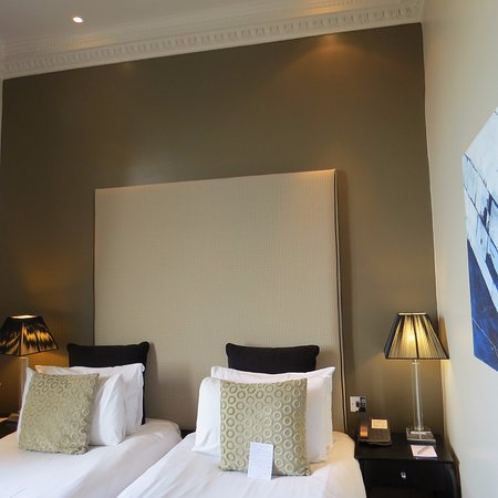 Fraser Suites Edinburgh : Twin bed accmodations
