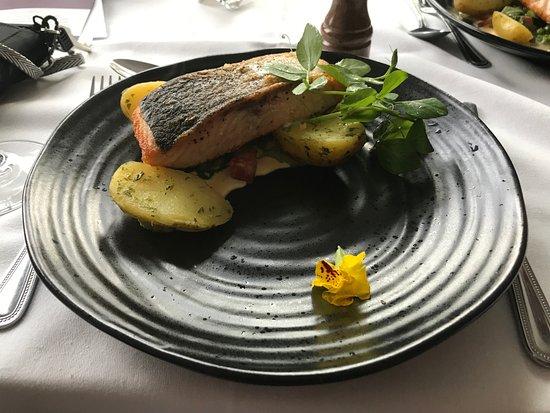 Onich, UK: Salmon and potatoes