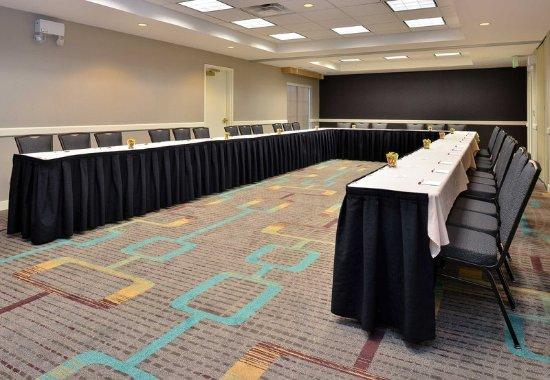 Residence Inn Denver Airport: Meeting Room – U-Shape Setup